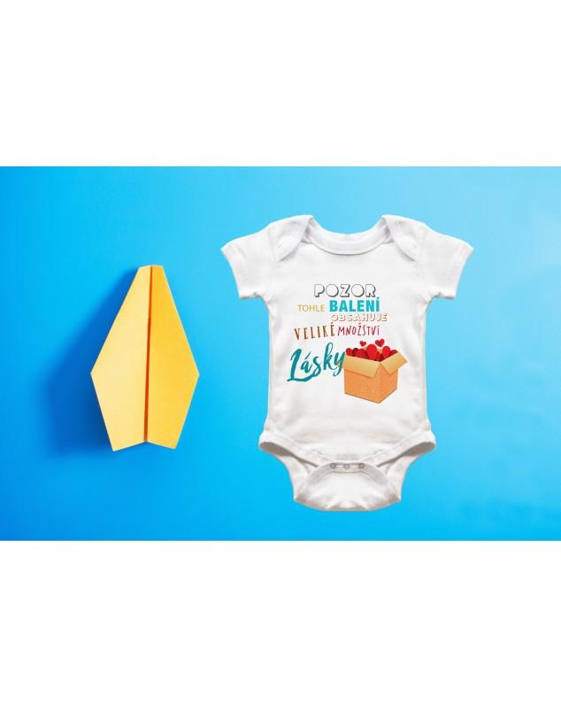 Nádherné dětské body Pozor, balíček lásky pro vaše miminko